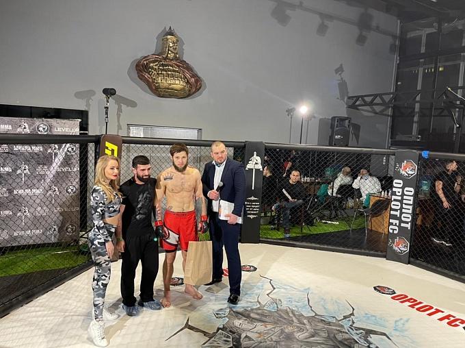 Армавирский боец ММА начал профессиональную карьеру с победы в Москве
